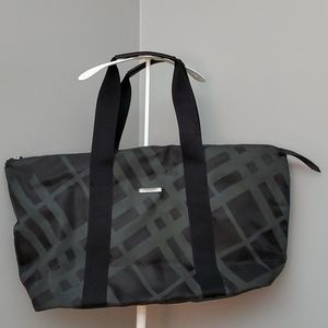 BURBERRY FRAGRANCE EXTRA LARGE DUFFEL TOTE